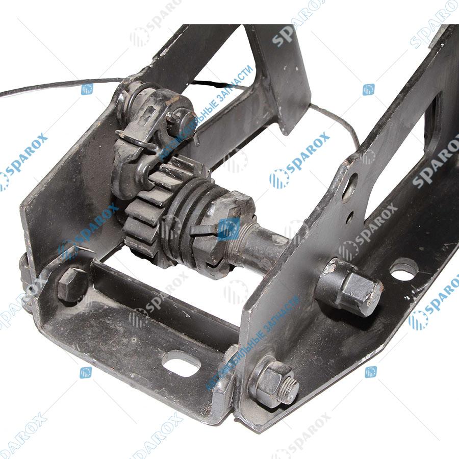 5336-3105050-01 Кронштейн колеса запасного МАЗ (ОАО МАЗ)